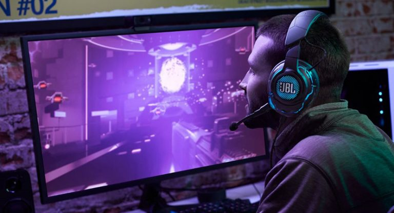 JBL Quantum One: This gaming headset impressed in the test with its immersion